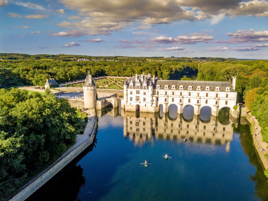 Four beautiful authentic sites in France Chenonceaux Castle aerial 698368123