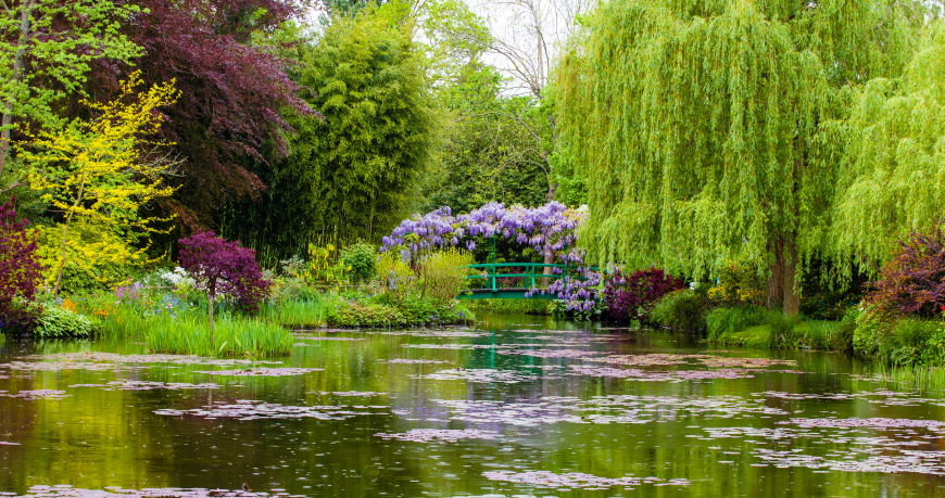 Four beautiful authentic sites in France Giverny Garden France 453177838