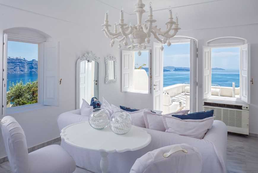 top six hotels in the mediterranean worth the splurge canaves oia suites2
